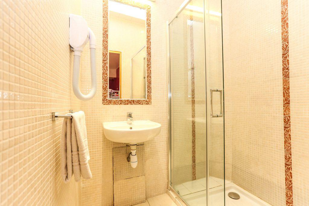 Shared-Room-Bathroom