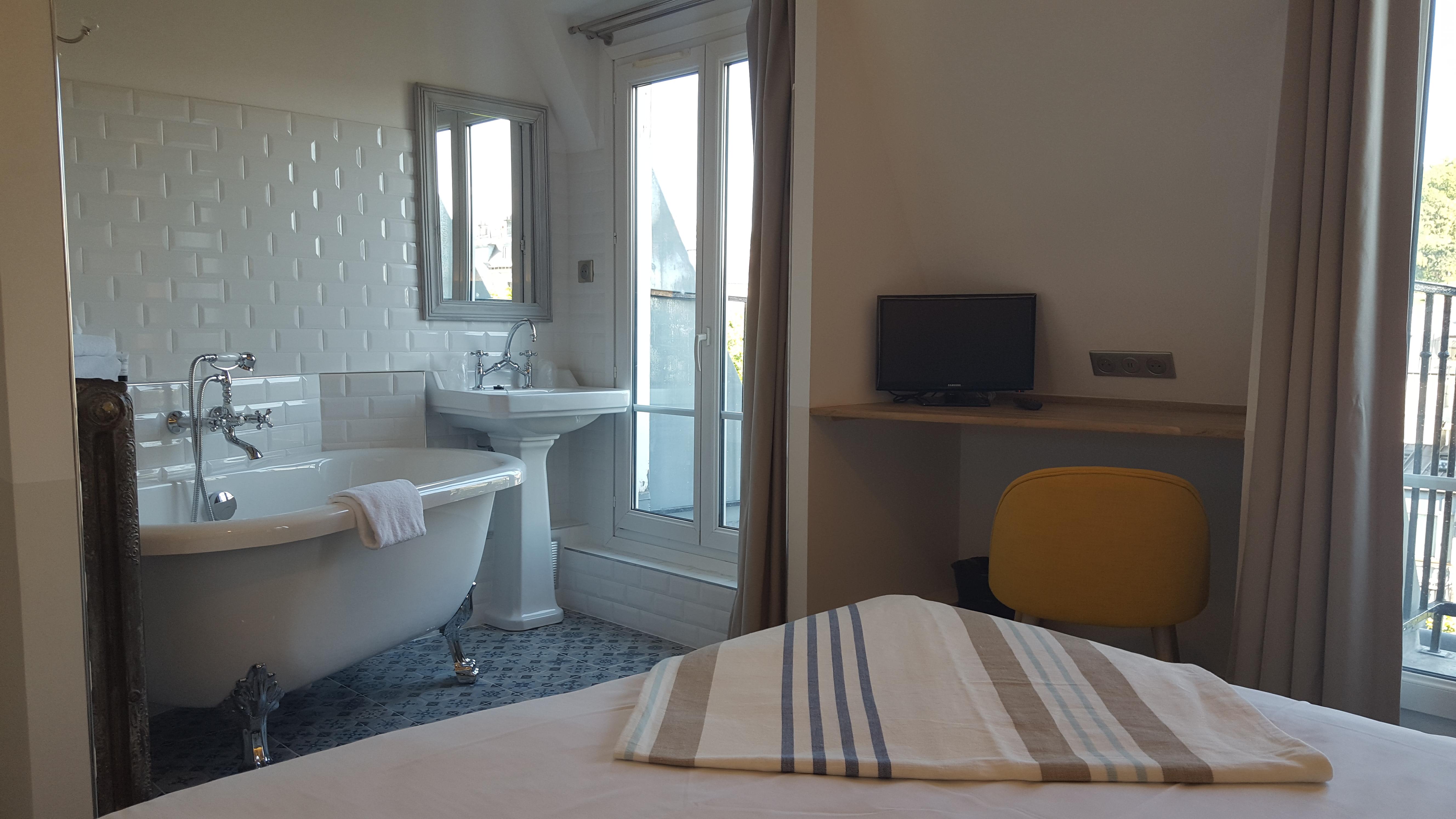 Chambre Double Privilège_12 - Le Village Montmartre