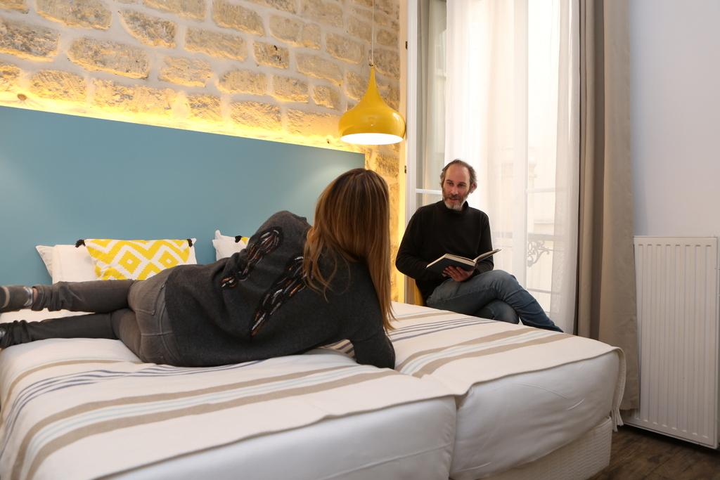 Chambre Lits Jumeaux (salle de bain privée)_24 - Le Village ...