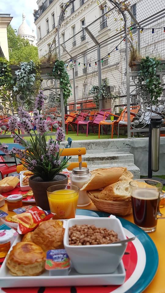 Petit Déjeuner Terrasse